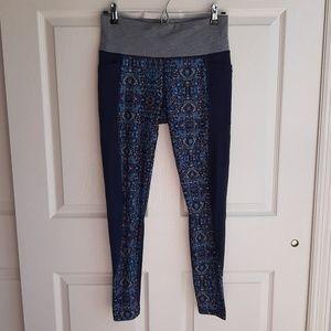 Athleta Tapestry Chaturanga Leggings Size Medium